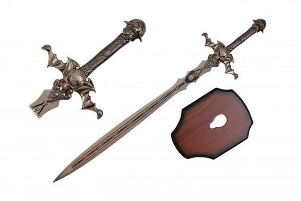 Picture of Skull Sword with wall plaque.