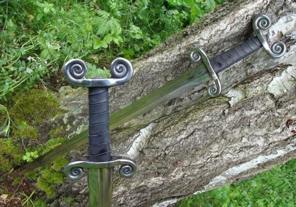 Picture of CELTIC SWORD, battle ready