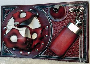 Picture of Cup and Saucer Display Holster w/Flask