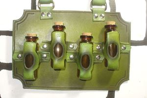 Picture of Steampunk Leather 4 Bottle Holder - Green